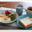トースト焼いて ハムエッグの朝ごはん♪