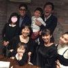 石田さん家族と食事の画像
