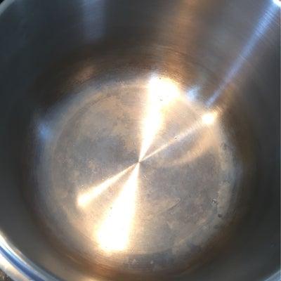 オキシクリーンで圧力鍋が新品になったの記事に添付されている画像