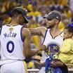 NBA:パトリック・マッカウ、ウォリアー達から距離を置いている
