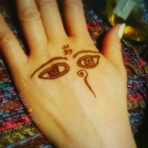ヘナタトゥー目 ブッタ様の先見の目 ハーブのボディペイント 消えるタトゥーの記事に添付されている画像