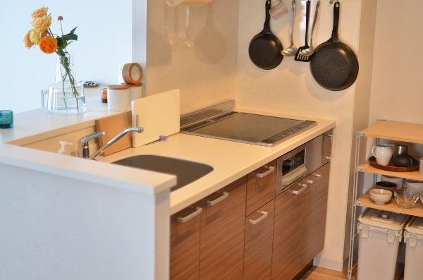 モノとコト新居のキッチン収納と耐震対策