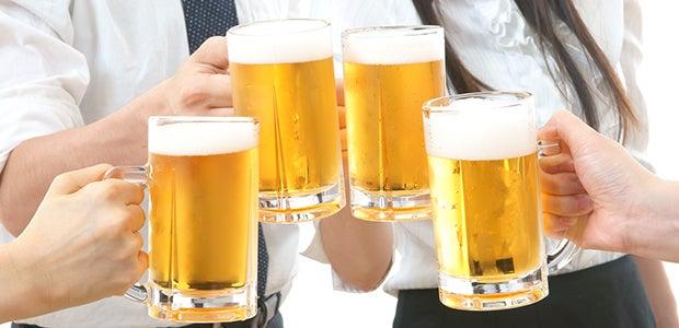 アルコールとサプリメントは一緒に飲まない