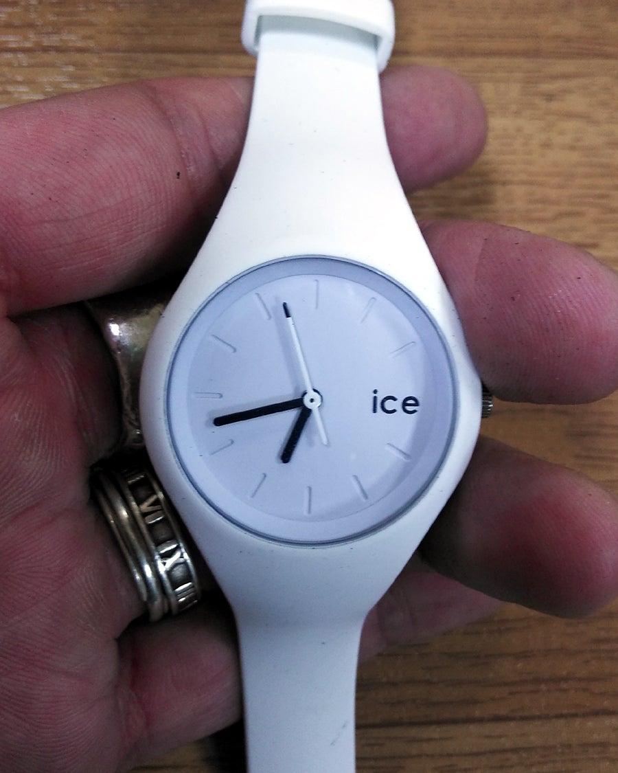 明石安い靴修理 靴磨き 時計電池交換 時計修理 合鍵作製 スペア ...