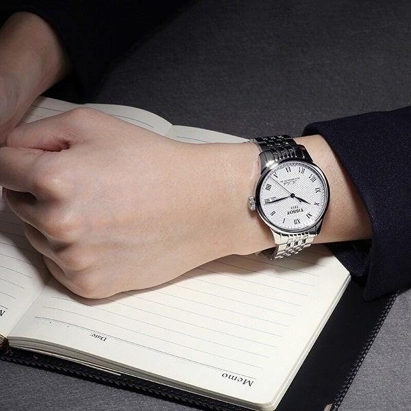 eea36118100 TISSOT ティソ】20代男性の時計としておすすめする人気モデル ...