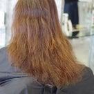 傷んだ髪にパーマをかけるとどうなる?の記事より