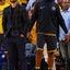 NBA:ステフィン・カリー、応援団長としてチームメイトを元気づける