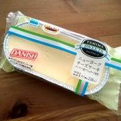 【Family Mart】ニューヨークチーズケーキ(デンマーク産クリームチーズ使用)*