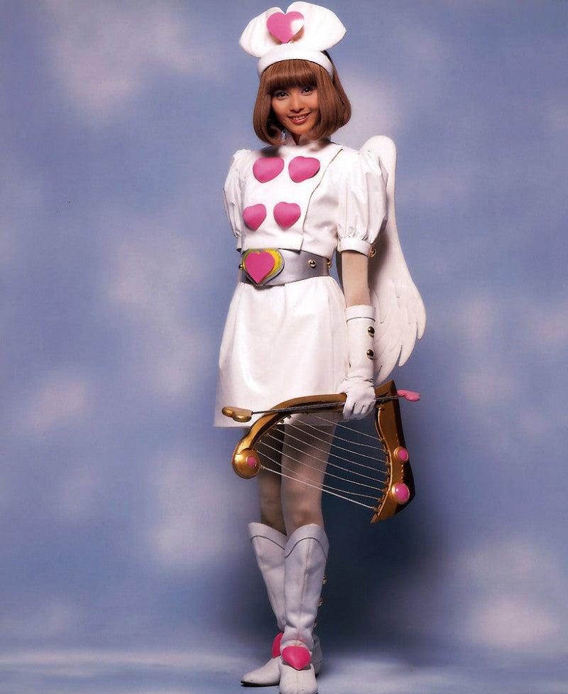 天使の格好をした加藤夏希