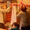 皆で洗濯物を干します in 三番館2階の画像