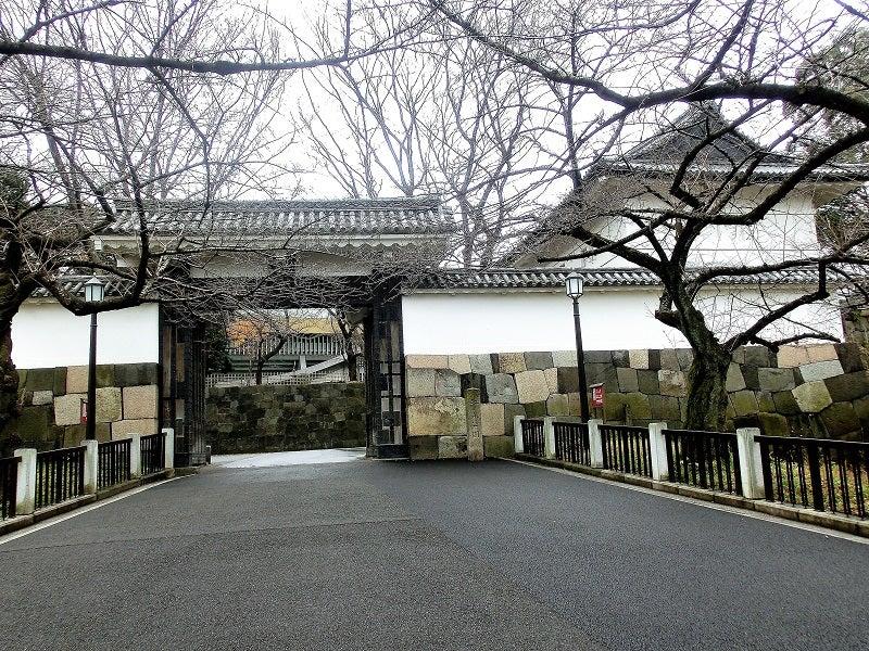 御三卿の居城は江戸城内で、田安...