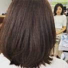 髪を切るとすっきりするって本当の話の記事より