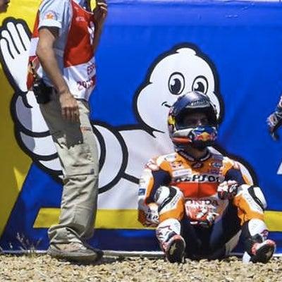 MotoGP/第6コーナーのアクシデント (ペドロサ・ロレンソ・ドビツィオーゾ)の記事に添付されている画像