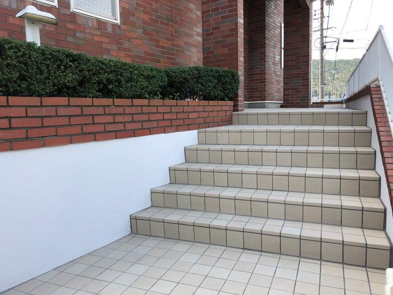 呉市リフォーム  イッコー建築事務所  タイル張替え、外構 壁補修、塗装工事