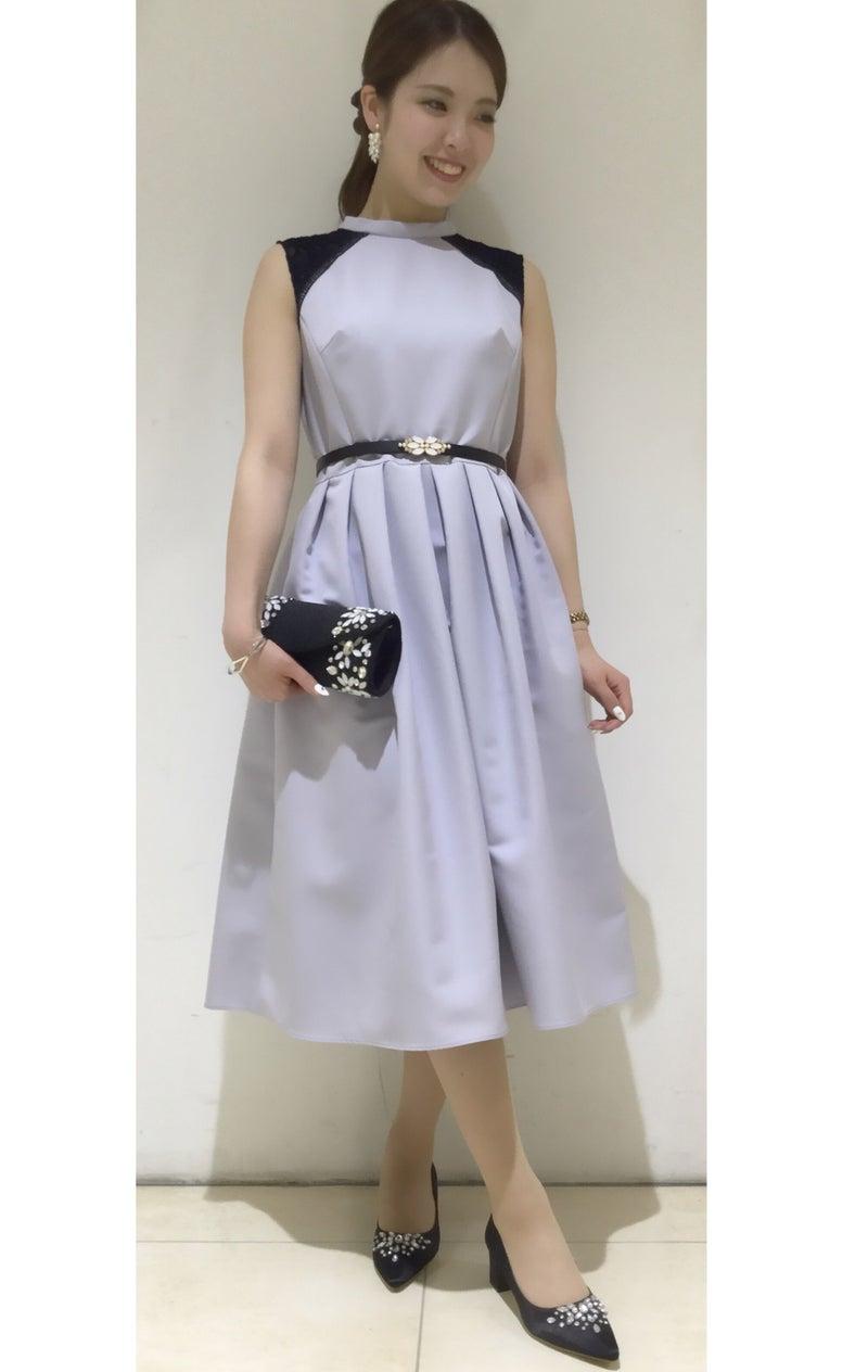 bfe71d54d5f81 今日はエメスタイルブックの表紙に載っている新作ドレスをご紹介致します!