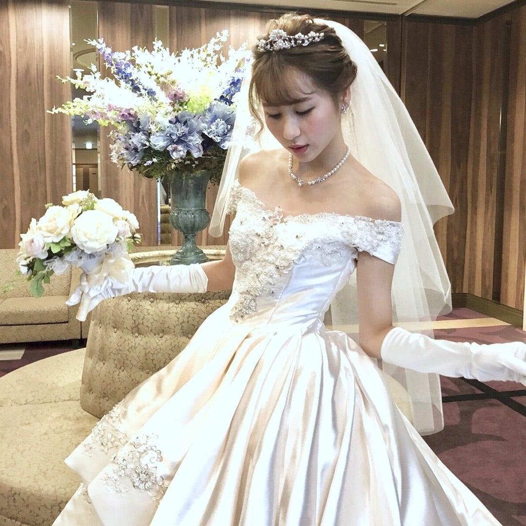 花嫁必見!ボートネックのウェディングドレスおすすめ