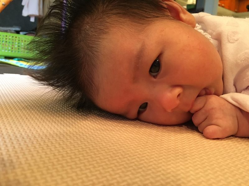 生後1ヶ月 うつ伏せ 練習