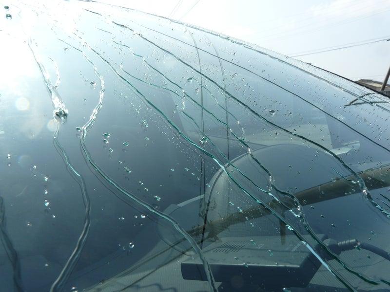 ガラスコンパウンドで下地処理後人気の高いスーパービュークリア施工後の撥水