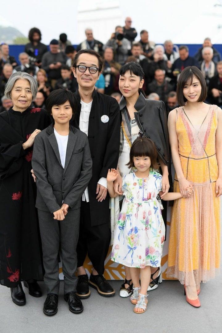 万引き家族』カンヌ国際映画祭最...