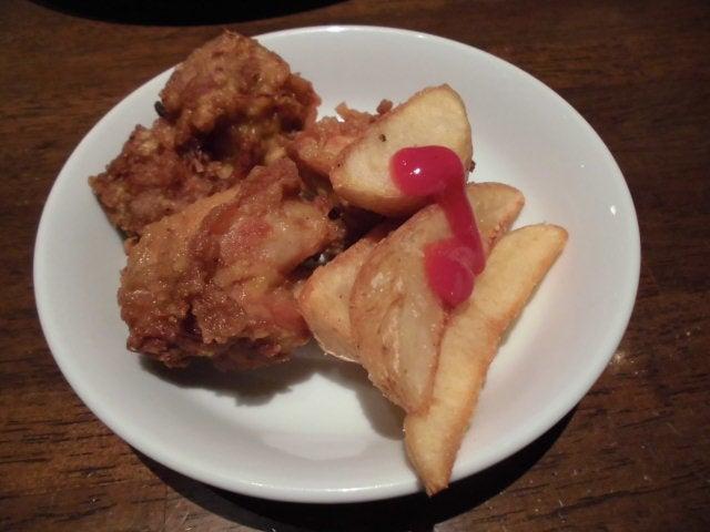 09鶏の唐揚げとポテト