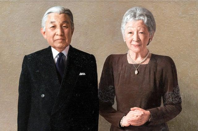 美智子皇后陛下の御給桑御公務御用修め。天皇皇后両陛下御肖像画完成。