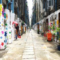 インスタ映えする壁画ストリートに見え隠れするミャンマーの現状の記事に添付されている画像
