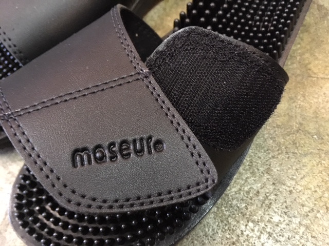4ad1bba4d860 new maseur invigorating massage sandal. color black