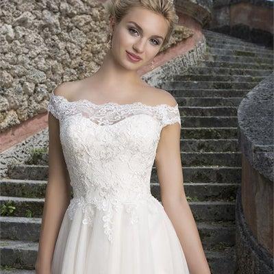 インポートウェディングドレス販売 2019春婚ハワイ挙式の記事に添付されている画像