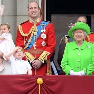 年に2回 エリザベス女王のお誕生日の画像