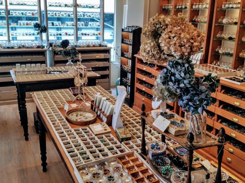 国内最大級のヴィンテージアクセサリーパーツの専門店『le meace 自由が丘店 / レミース』