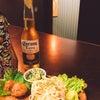 今日もコロナビール。コロナのアテはパスタサラダ in ふぃをーれ江戸堀店の画像