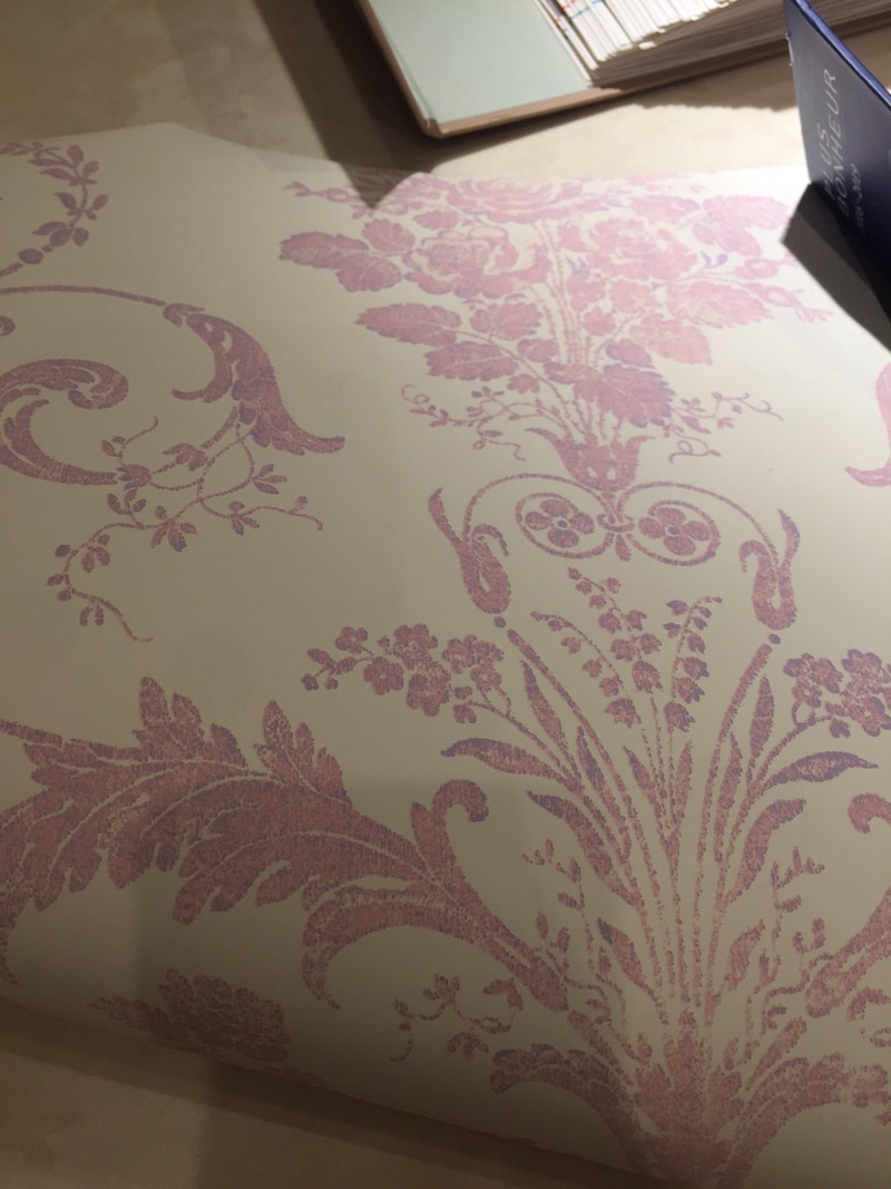 壁紙とカーテンとの相性 悩み中 白いアンティークピアノと暮らし