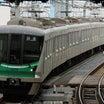 小田急小田原線複々線区間の緩行線を行くメトロ16000系の回送