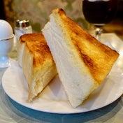 上野の極厚トーストモーニング 珈琲王城