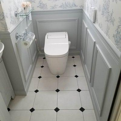輸入壁紙と腰壁のトイレ♪の記事に添付されている画像