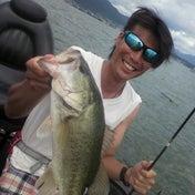 デカバス釣りたいですよ!の田中さんガイド
