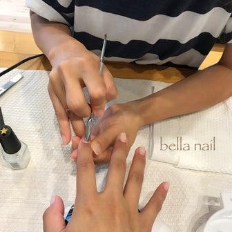 爪を守り、育てる!特許取得のジェルネイル