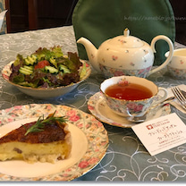 紅茶専門店でポーラーティーにフラれキッシュセットを頂いてきました♪ の記事に添付されている画像