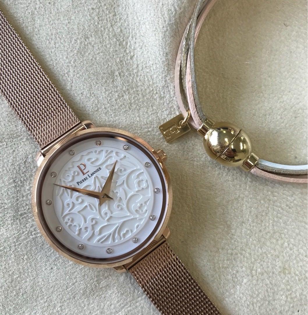 時計とブレスで手もとコーデ