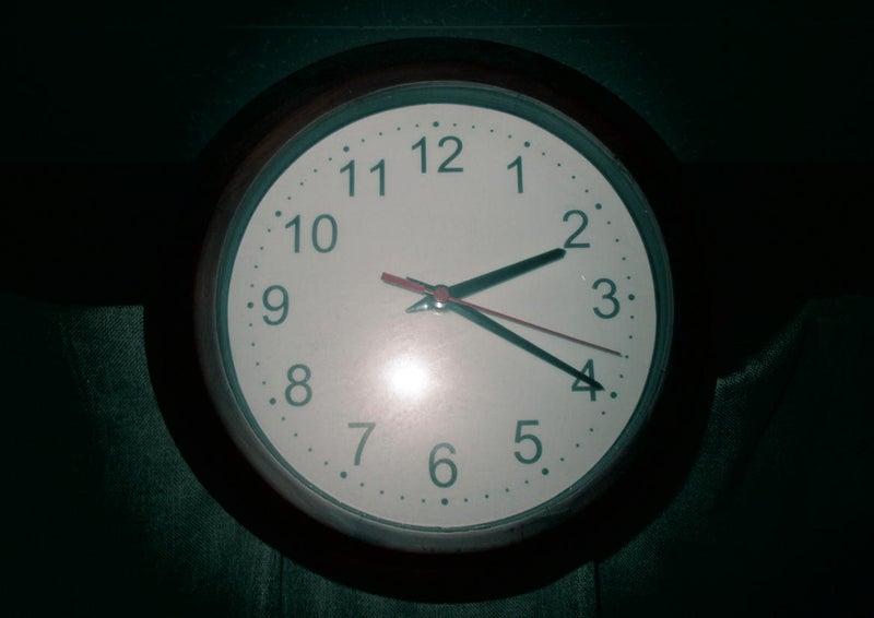 【ホラー】深夜2時20分に鳴り響くインターフォン音…ドアノブを回し開けようとする黒い影…03