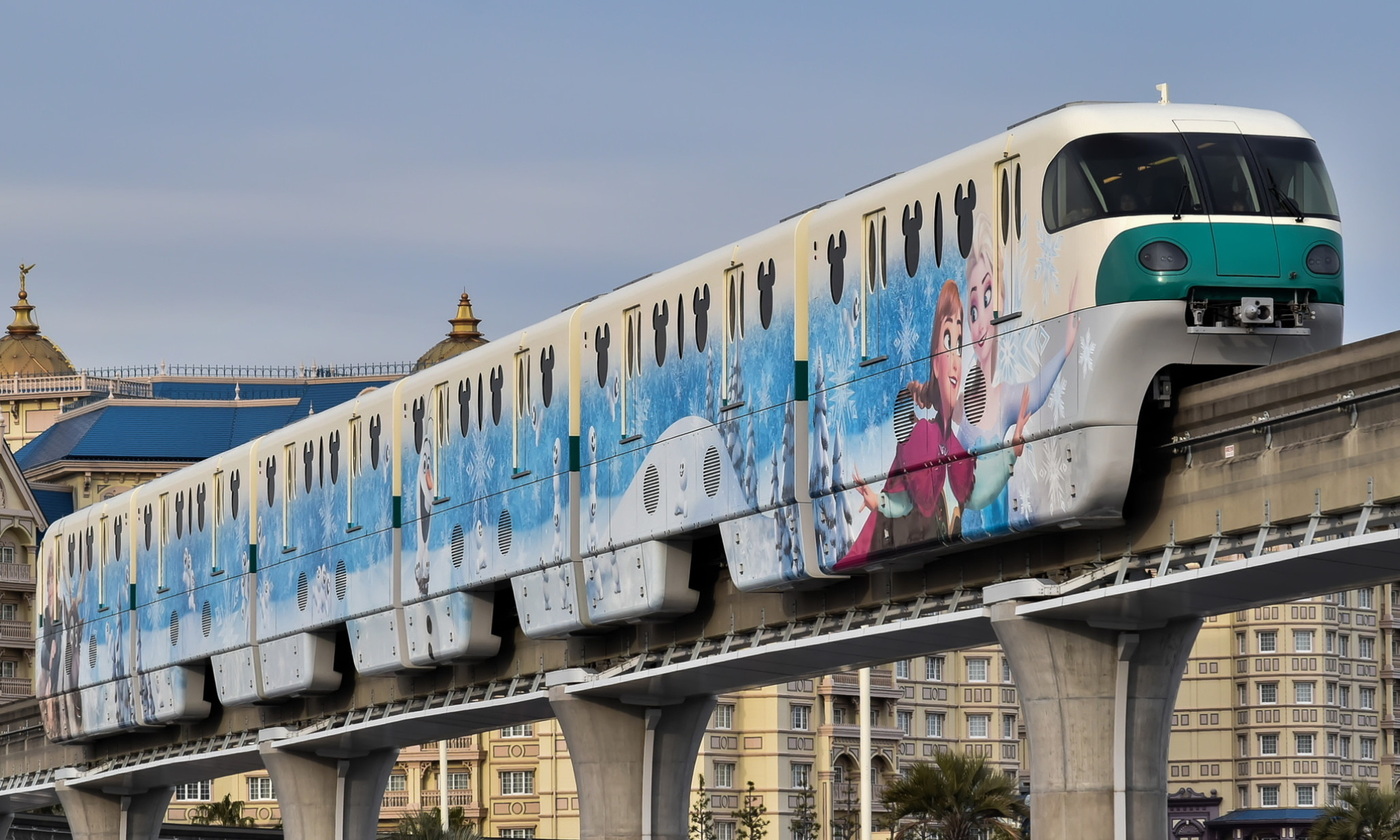 Disney_Resort_Line_10_Series