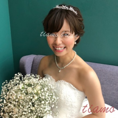 人気のシニヨンからハーフアップへ♡可愛い花嫁さまのWDパーティーヘアの記事に添付されている画像