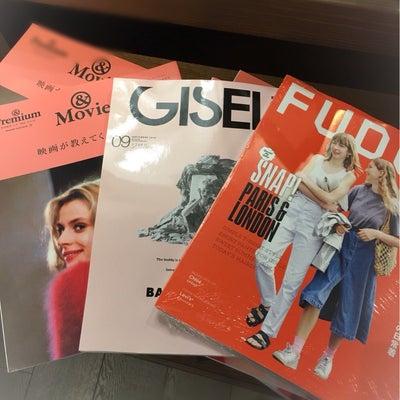 大人の女が【外国人モデルのファッション雑誌を見る理由】の記事に添付されている画像