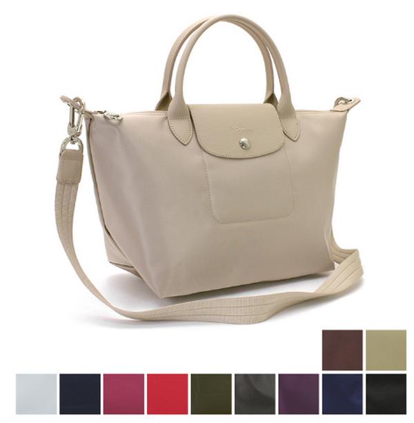 98117e65d3a0 世界中で愛されているロンシャンの人気バッグ「ル・プリアージュ ネオ」。ナイロン素材に組み合わせたトリミングレザーが高級感を醸し出します♪手回り品があれこれ  ...