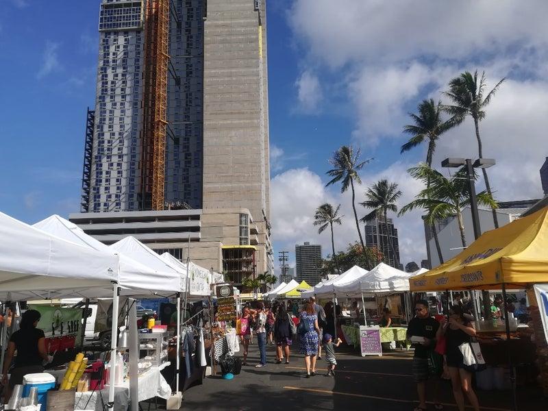 【旅するドールのハワイ旅紀行】ファーマーズマーケット・買うという行為は応援に繋がる