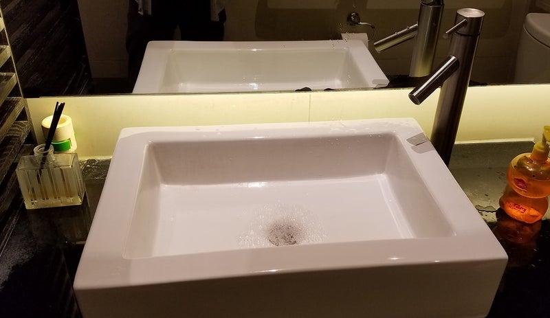 monzo_bathroom