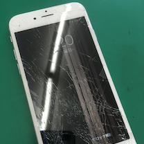 iPhone6sの液晶破損修理!半分見えない(^ω^;)八千代市よりの記事に添付されている画像