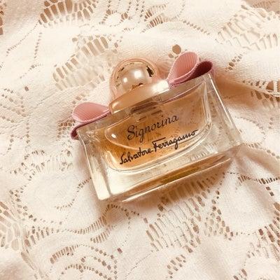 香水レビュー シニョリーナ サルバトーレフェラガモの記事に添付されている画像