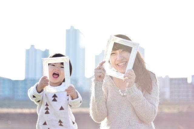 笑顔のママと子ども