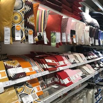 IKEAに学ぶ!初心者からの失敗しないクッションカバー選び